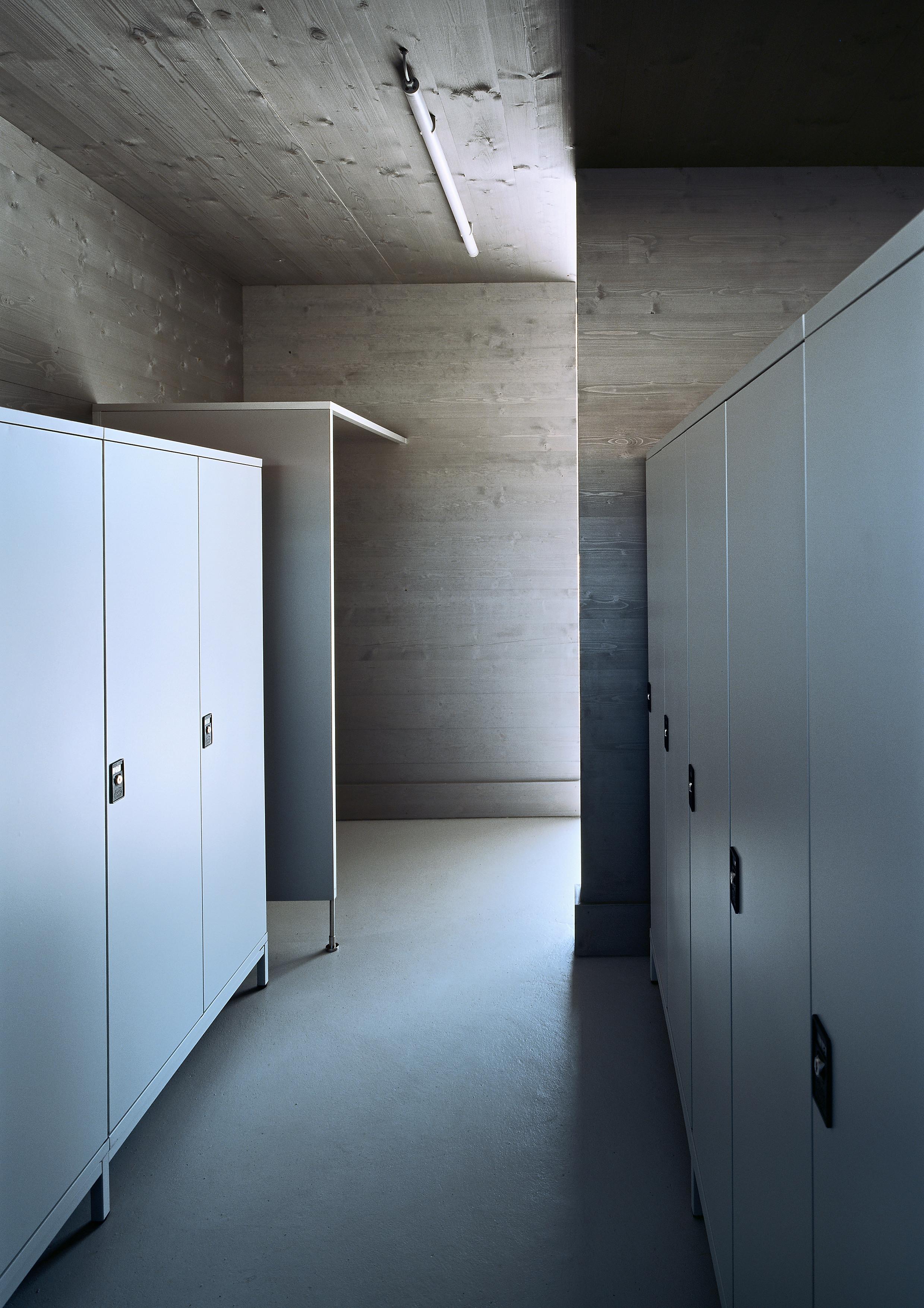 <p>© RUNSER / PRANTL architekten, Weinlandbad, 2130 Mistelbach, Niederösterreich, Österreich, 2009, Freibad, Fotograf Rupert Steiner</p>