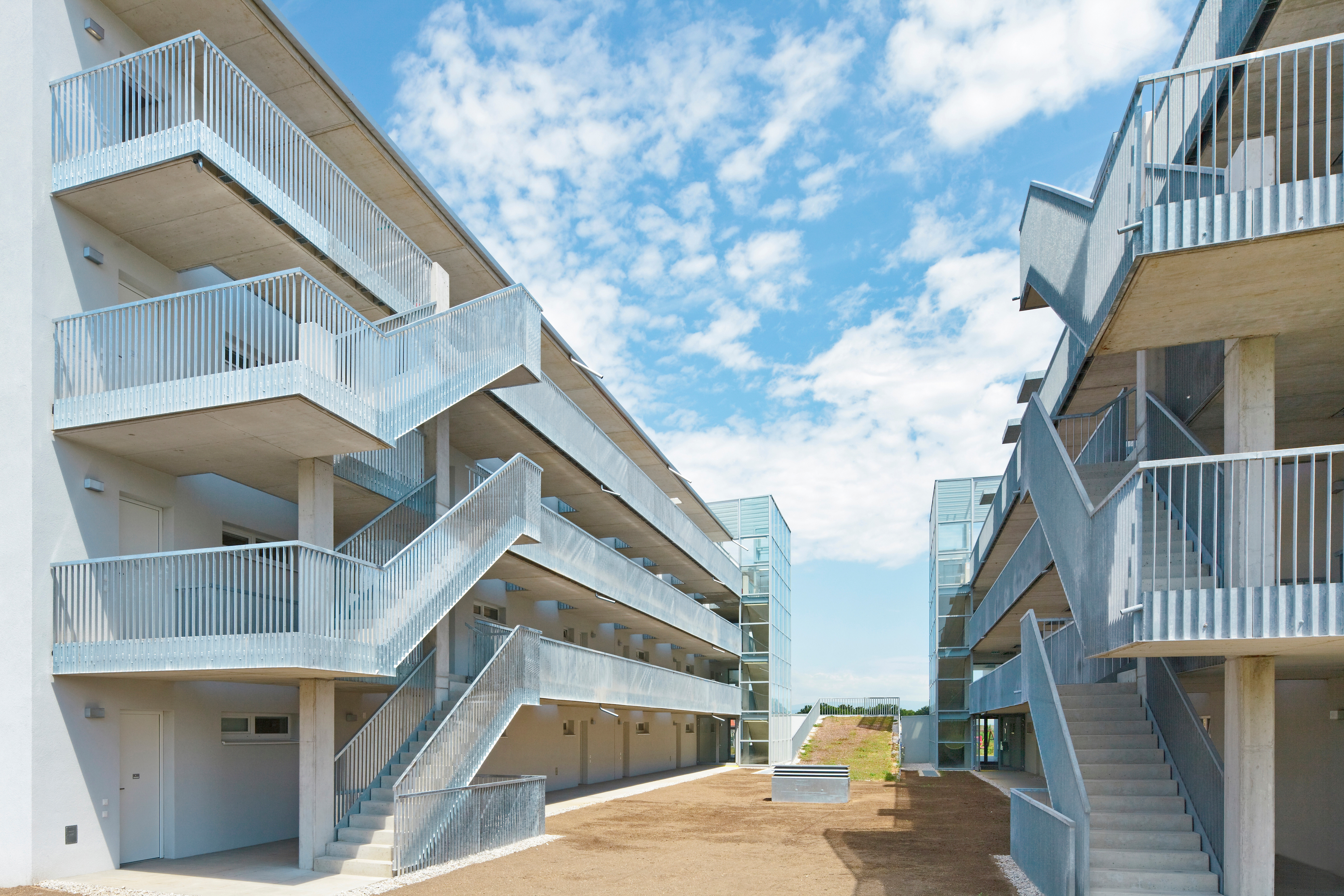 © RUNSER / PRANTL architekten, Niedrigstenergie Wohnhausanlage, 2700 Wiener Neustadt, Niederösterreich, Österreich, 2011, Niedrigstenergie Wohnhausanlage, Fotograf Rupert Steiner